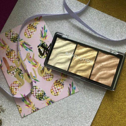 makeup-revolution-pro-supreme-highlighter-gold