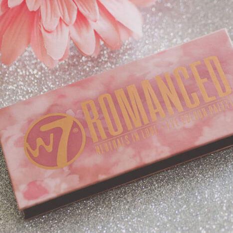 w7-cosmetics-Romanced-eyeclour-palette