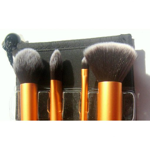 Real-techniques-core-collection-brushes-kit-min