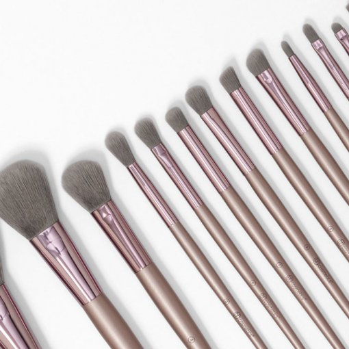 Lavish_Elegance_15_Piece-Brush_Set-min